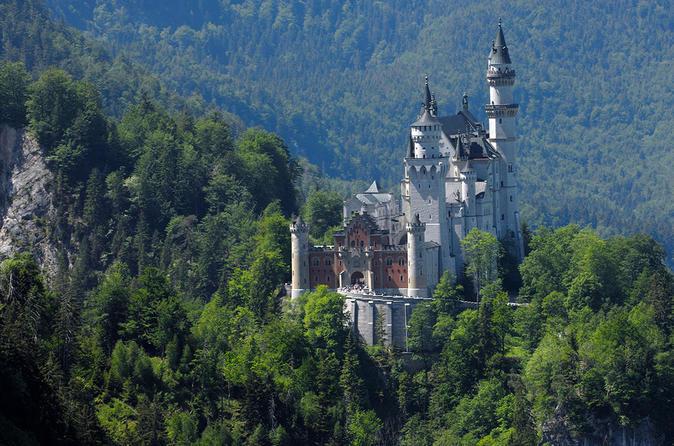 Skip-the-Line Day Tour from Munich to Neuschwanstein and Hohenschwangau