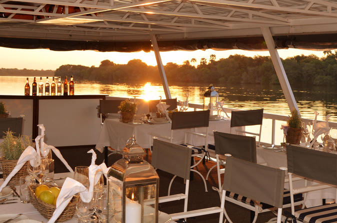 Dinner cruise on the zambezi river in victoria falls 233157
