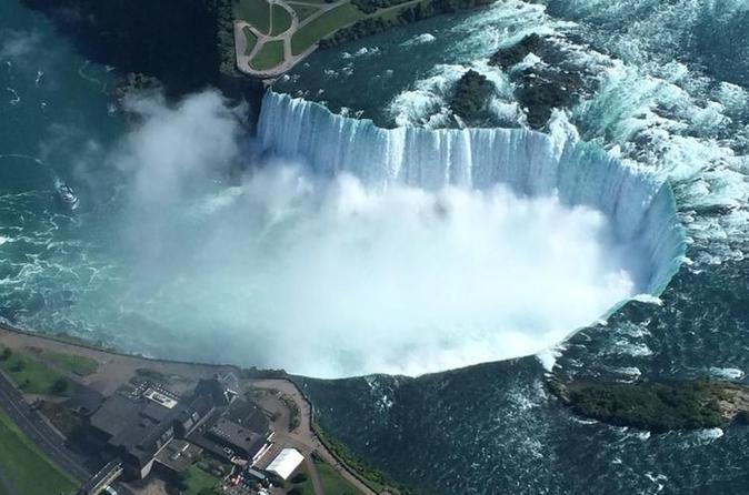 Bus Tour of Niagara Falls including Hornblower from Toronto