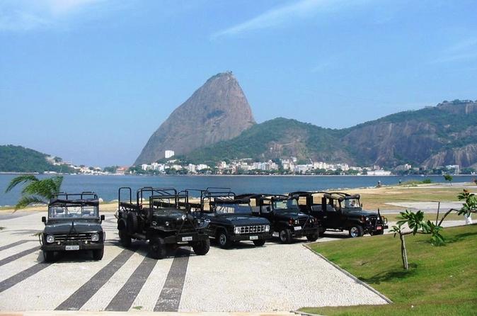 Excursão de dia inteiro de Jeep pelo Rio de Janeiro, incluindo a Floresta da Tijuca e o Cristo Redentor