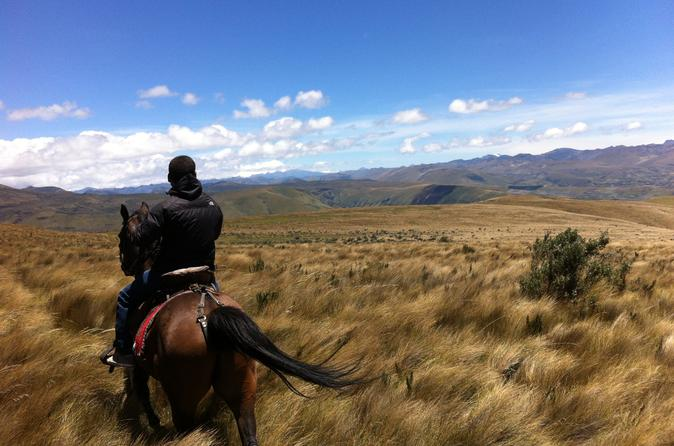 2-Day at La Hacienda Including Horse Riding and Otavalo Indigenous Market