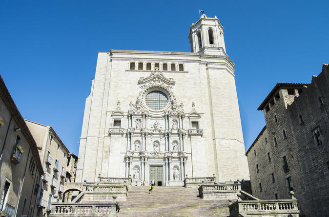 Private 7-hour Trip in Girona by High Speed Train from Barcelona