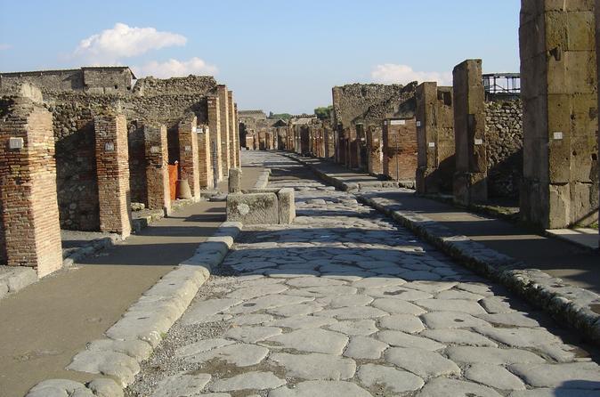 Pompeii - Vesuvius - Sorrento Tour