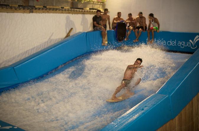 Simulador de surfe interno