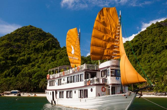 2-Day, 1-Night Halong Bay Discovery Cruise from Hanoi