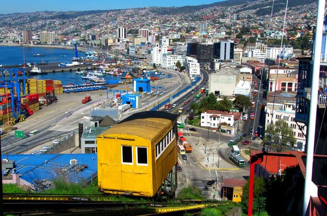 Private Tour: Valparaiso and Vina del Mar from Santiago