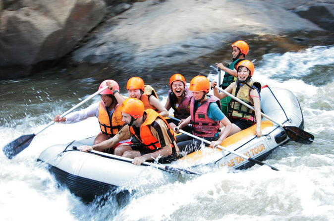 Full-Day Lisu Lodge Hill Tribe Experience Including Rafting and Biking from Chiang Mai