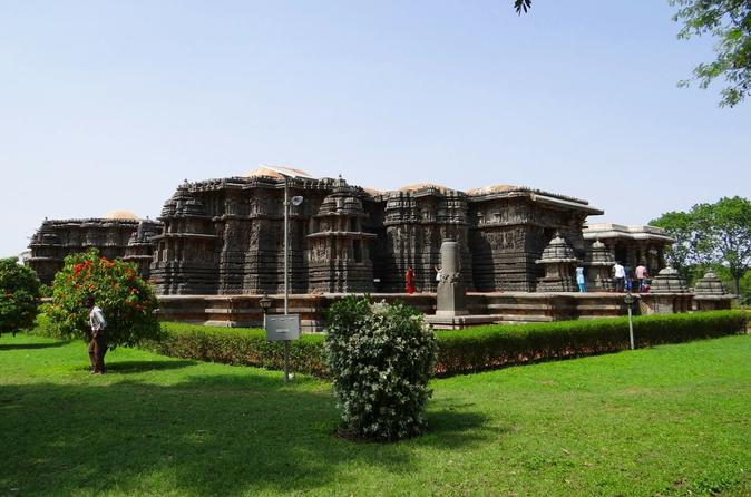 Private Day Trip from Bangalore to Belur, Halebid and Shravanabelagola