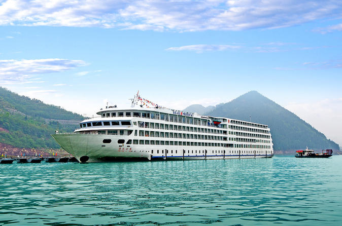 5-Day President No. 7 Yangtze River Luxury Cruise Tour from Yichang