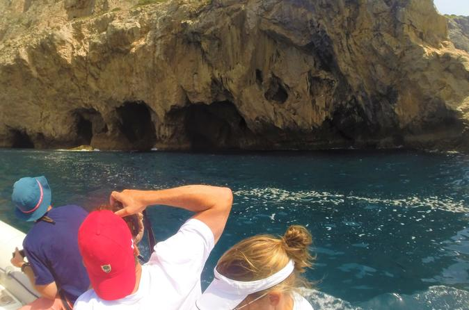 Visit to the Grottoes and caves of the Arrábida coast