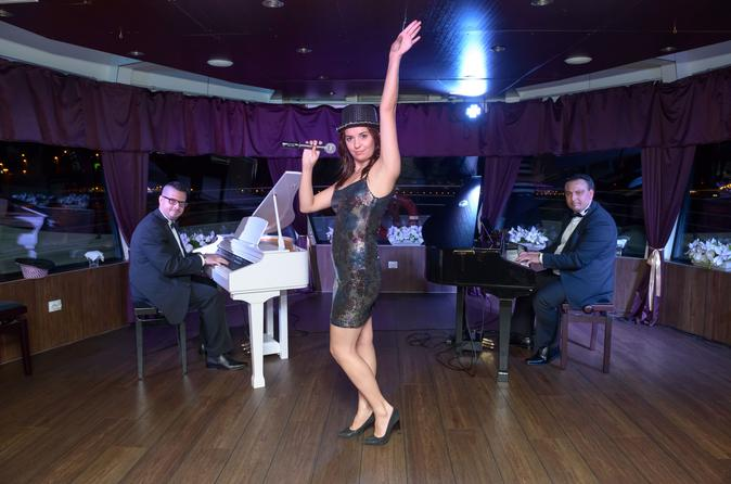 Cruzeiro com jantar em Budapeste, com show de batalha de pianos