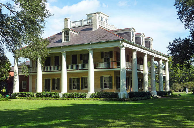 Private Destrehan and Houmas House Plantation Tour from New Orleans