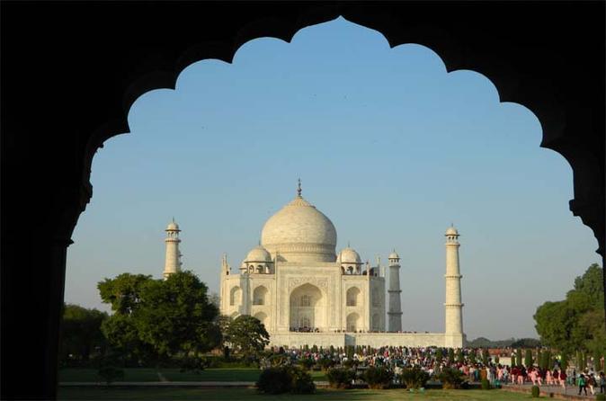 Agra Half-Day Tour of Taj Mahal and Agra Fort