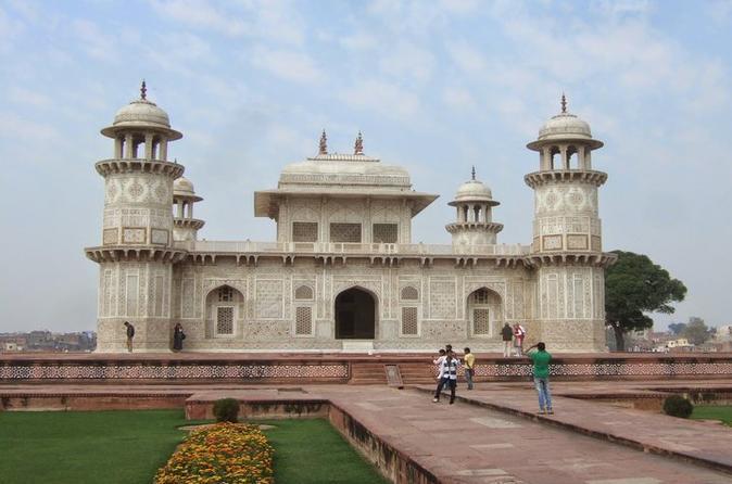 Tomb of Itmad ud Daula, Chini Ka Rauza & Ram Bag Tour