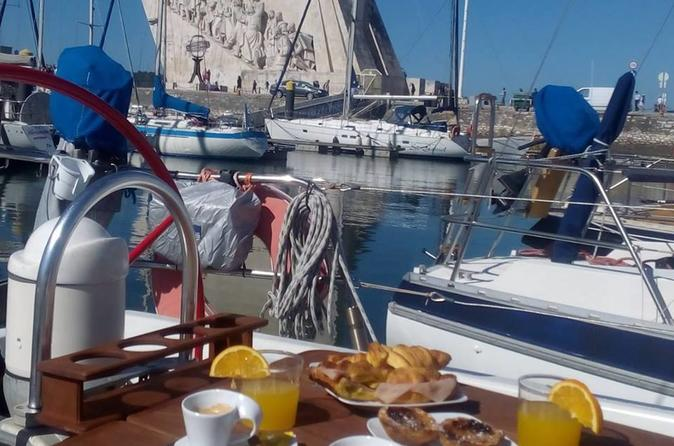 River Cruise with Breakfast - Sightseeing boat tour