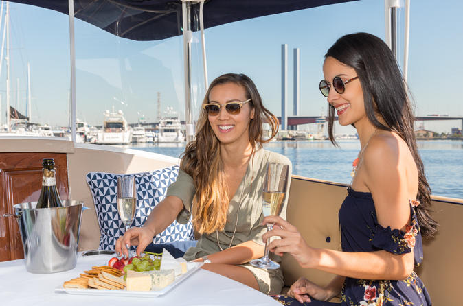 Luxury Private 90min Wine And Cheese Yarra River Cruise - Melbourne