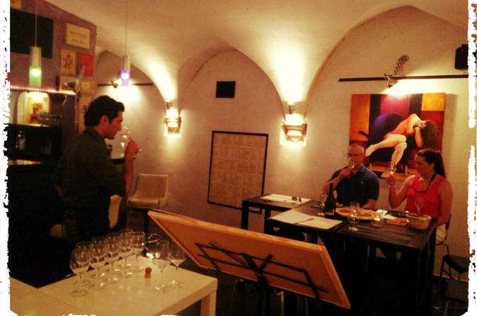 Guided Wine Tasting and Pasta Pair in the Centre