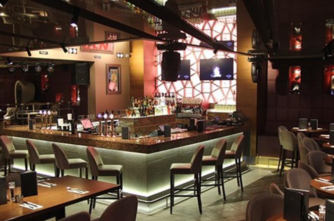 Evite as filas: Hard Rock Cafe Istambul incluindo refeição