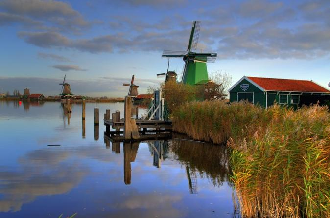 Small Group Zaanse Schans Windmills, Volendam and Old Villages Tour from Amsterdam Including Dutch Schnapps Tasting
