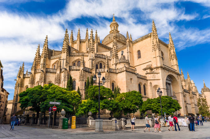 Segovia Day Trip & El Escorial Royal Tombs
