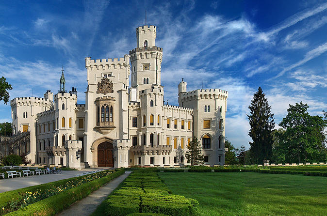 Private Full-Day Trip to Hluboká Castle from Prague