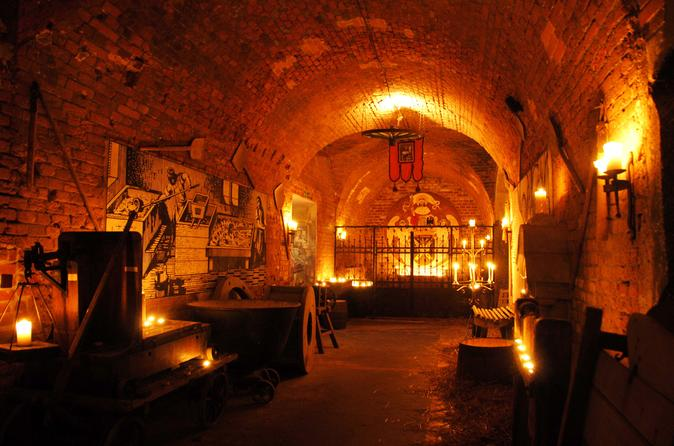 Private half day return trip to medieval tavern from for Medieval hotel prague