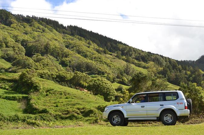 Half-Day Jeep Tour from Ponta Delgada to Sete Cidades