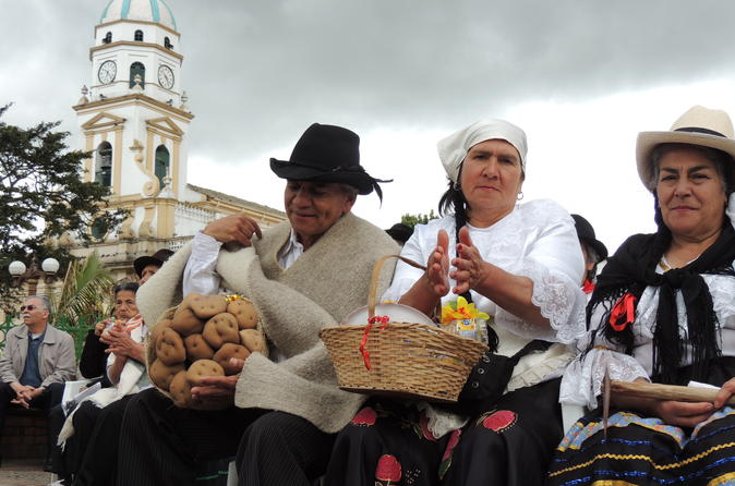Private Day Trip to Traditional Towns Around Bogotá
