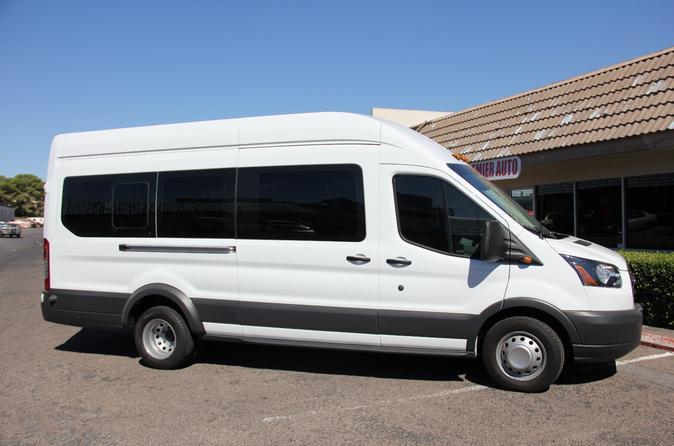 Private Las Vegas Airport Round-Trip Transfer: 14 Passenger Van