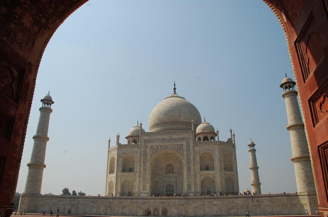 Taj Mahal overnight tour with flights from Bangalore