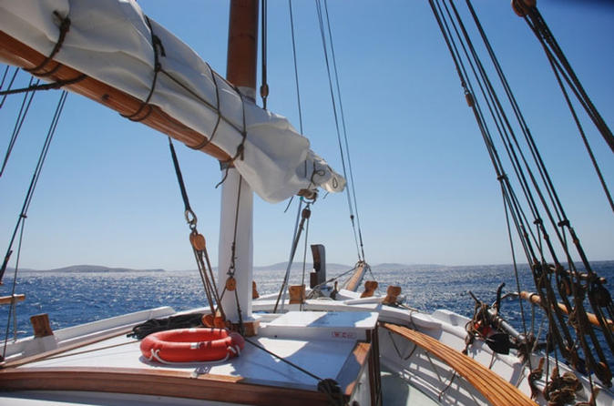 Full-Day Cruise to Delos and Rhenea from Mykonos
