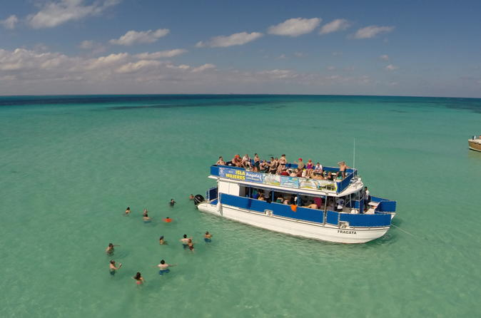 Excursão turística de catamarã para Isla Mujeres