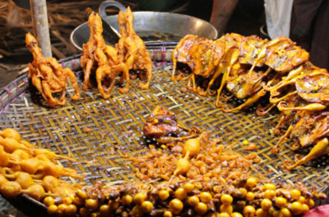 Walking Tour of Old Delhi's Food Markets