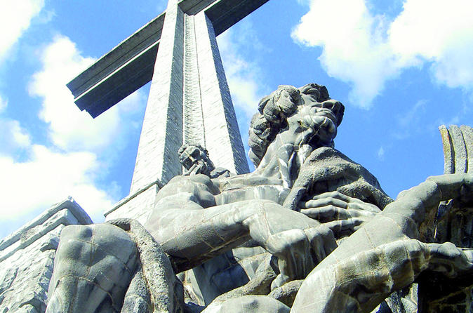 El Escorial and Valley of the Fallen Half-Day Tour from Madrid