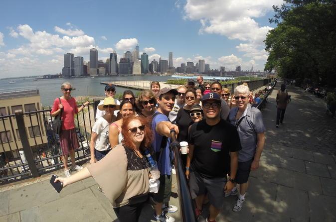 3-Hour New York Walking Tour of Brooklyn Bridge and DUMBO
