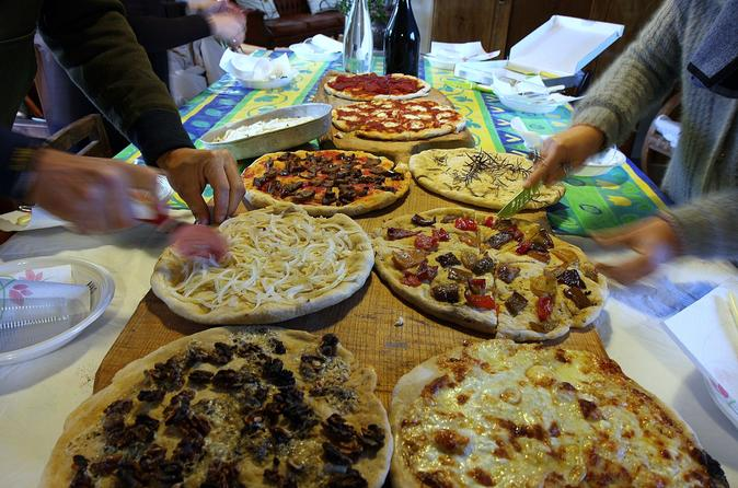 Exclusive Pizza Making Experience in Rome