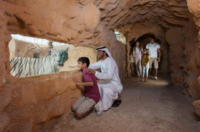 Emirates Park Zoo with Return Transfer from Abu Dhabi
