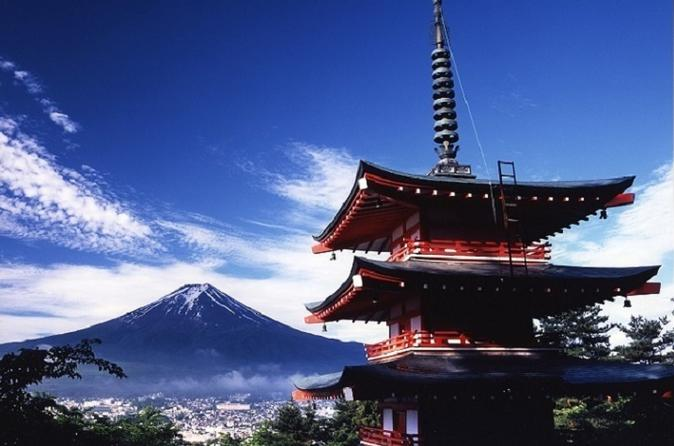 5-Storey Pagoda & Mt Fuji view, Hakone Pirate Ship and Spa in 1 Day from Tokyo