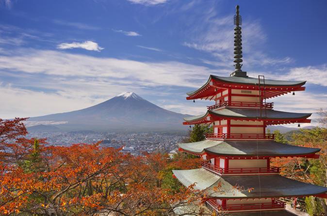 Autumn Leaves: Mt. Fuji, 5-Storey Pagoda, and Lake Kawaguchi Day Trip from Tokyo
