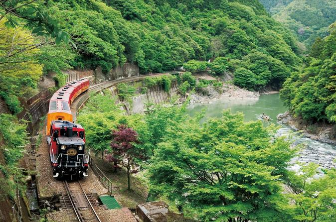 Day Trip to the Sagano Romantic Train and the Hozugawa River Boat Ride