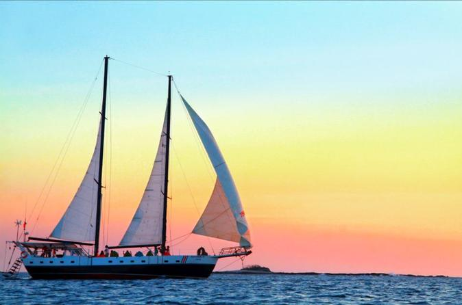 Antares sailing sunset cruise in tamarindo 231800