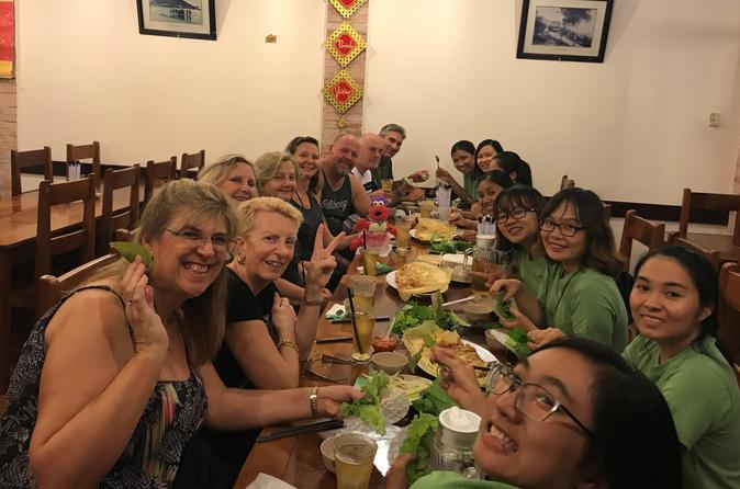 Private Ho Chi Minh Sightseeing and Local Street Food Tour by Scooter
