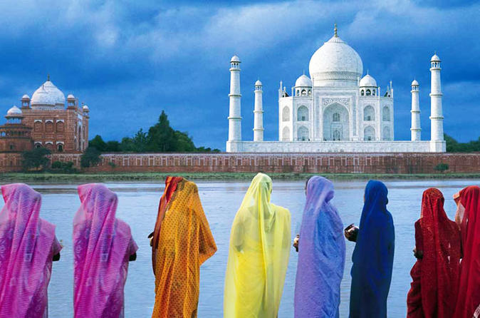 Day Trip to Taj Mahal and Agra Fort and Mehtab Bagh from New Delhi