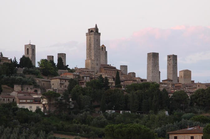 San gimignano guided waking tour in chianti 226337