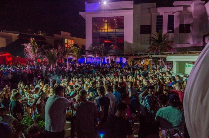 Evite as Filas: Mandala Beach Pool Party com Open Bar em Cancun