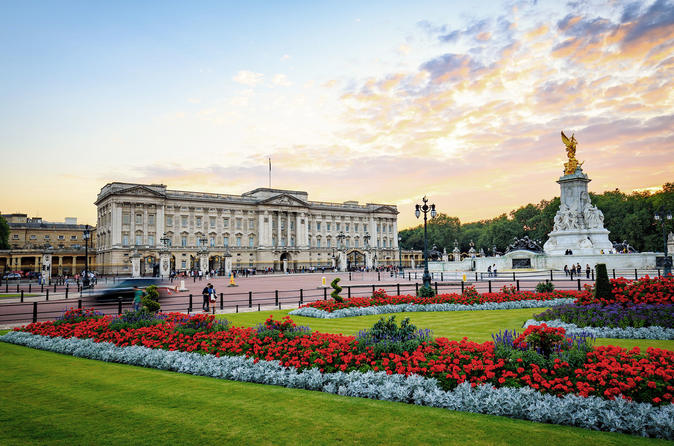 Tour for Small Groups to Buckingham Palace and State Rooms