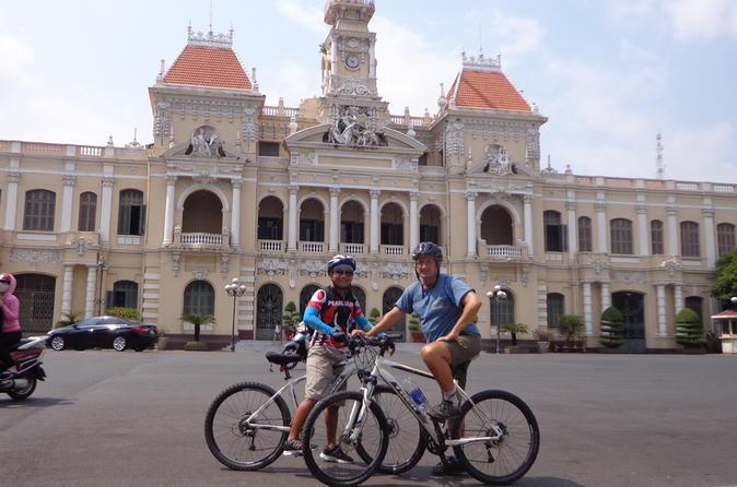 Half-Day Bike Tour in Ho Chi Minh city: Jade Emperor Pagoda, Flower & Pet Market