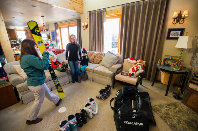 Performance snowboard rental package in vail 242152