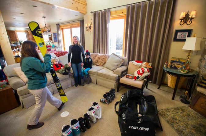 Helmet rental for skiers and snowboarders in steamboat springs 242507