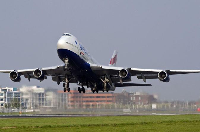 Private Hamburg Transfer Airport to Hotel